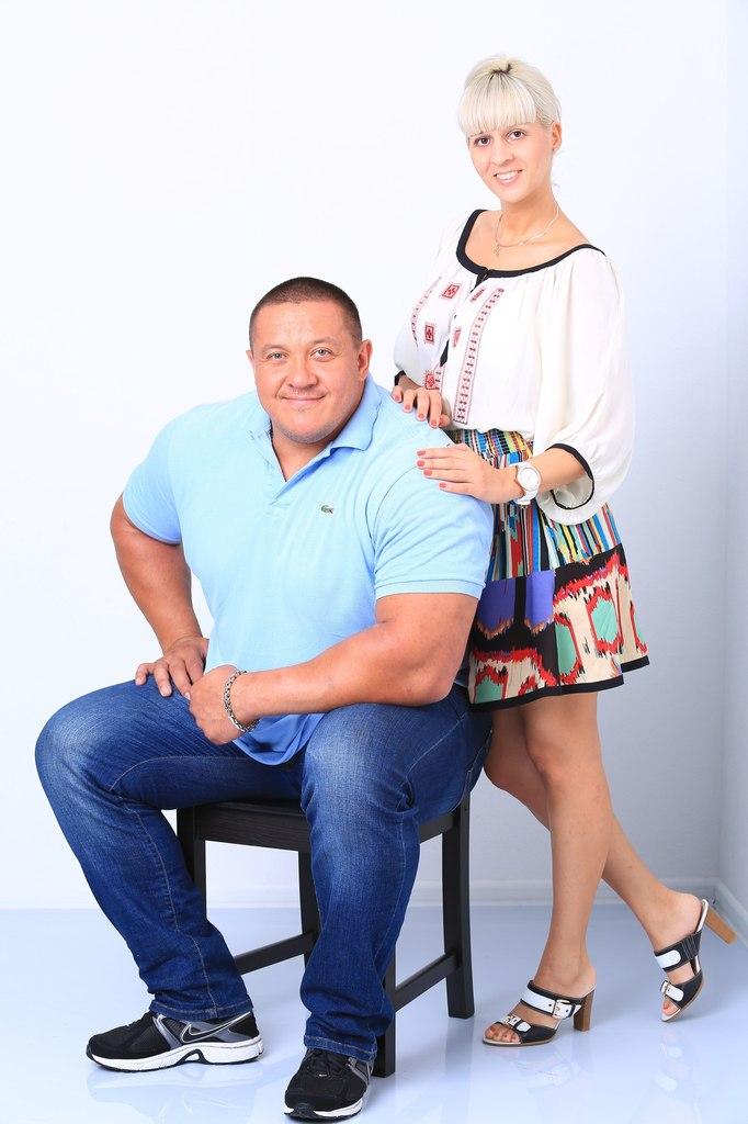 типичный самец михаил кокляев с женой фото последние